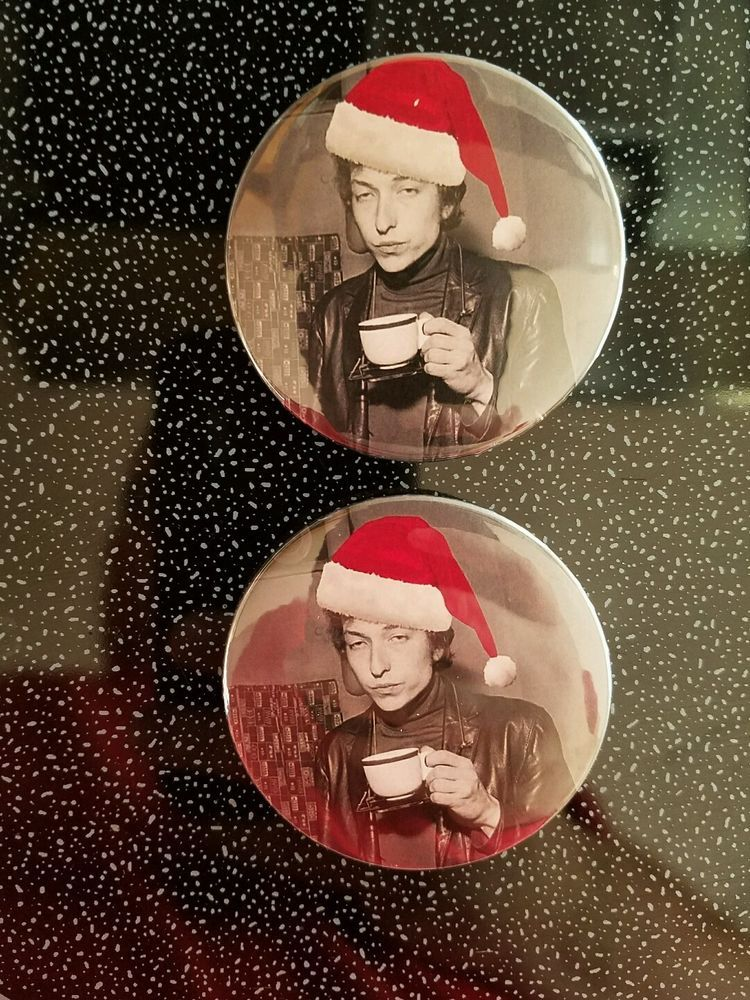 bob dylan christmas badge pin button pin button bob dylan inexpensive christmas gifts