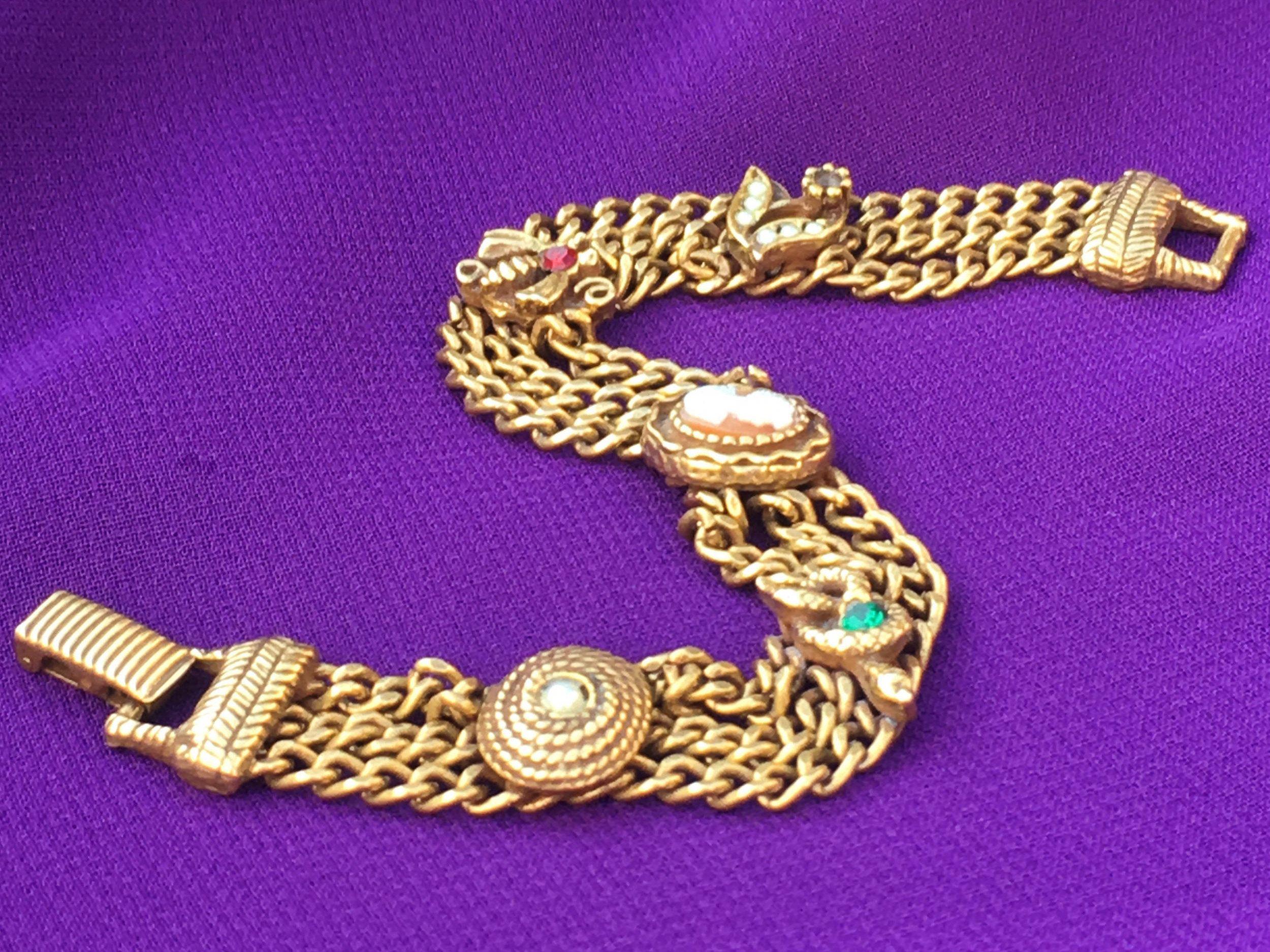 Vintage 40\u2019s gold tone rhinestone faux pearl screw back earrings