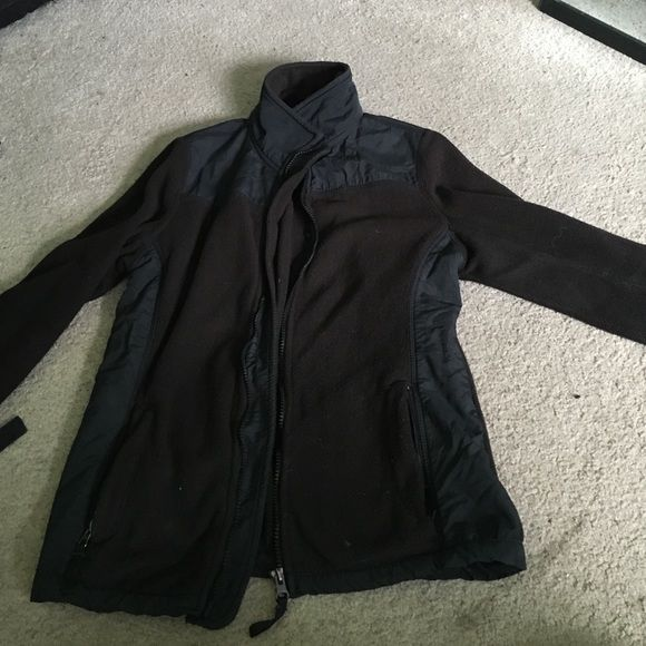 Aeropostale north face look a like Similar to a northface jacket. Very soft but not as warm. Aeropostale Jackets & Coats