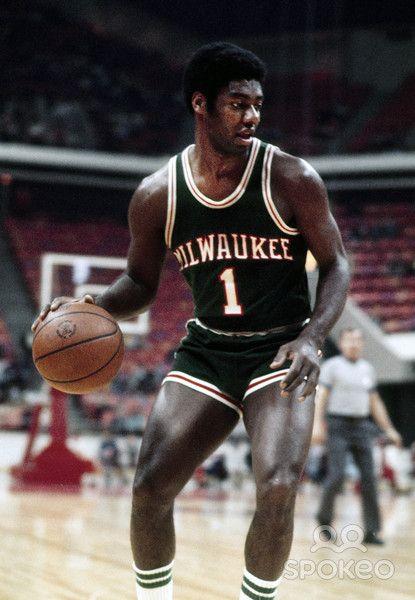 Milwaukee bucks oscar robertson information | Trending