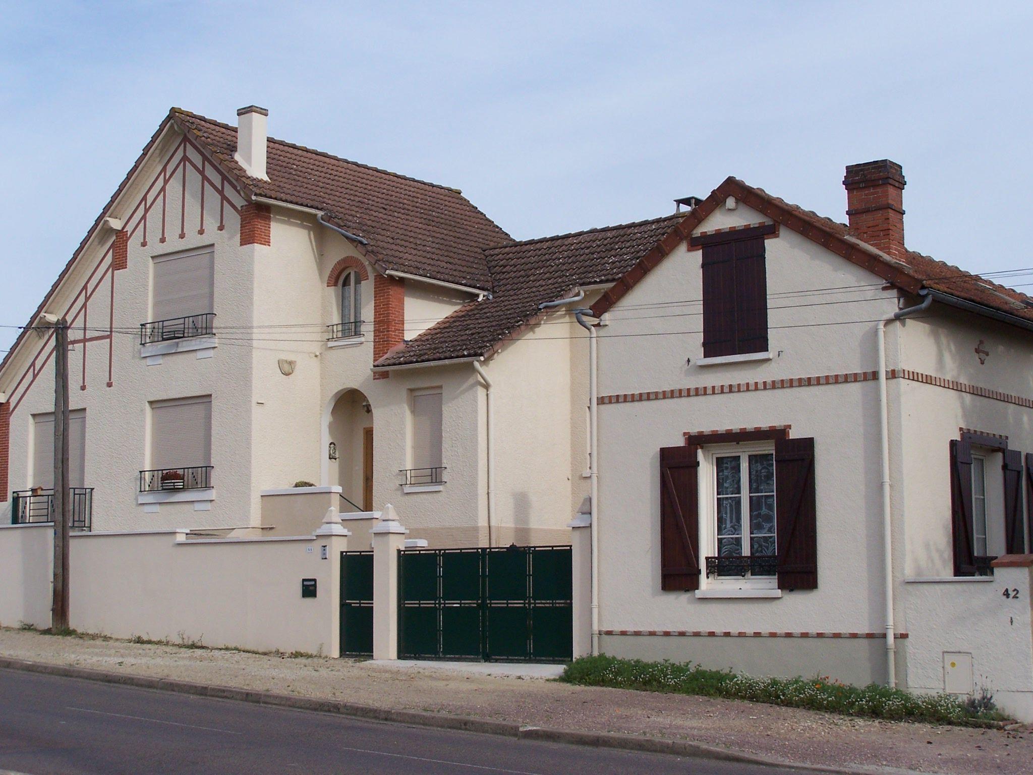 Maison R F Rence Migennes 89 Http Www Infofacades Fr  ~ Surelevation Bois Aix En Provence