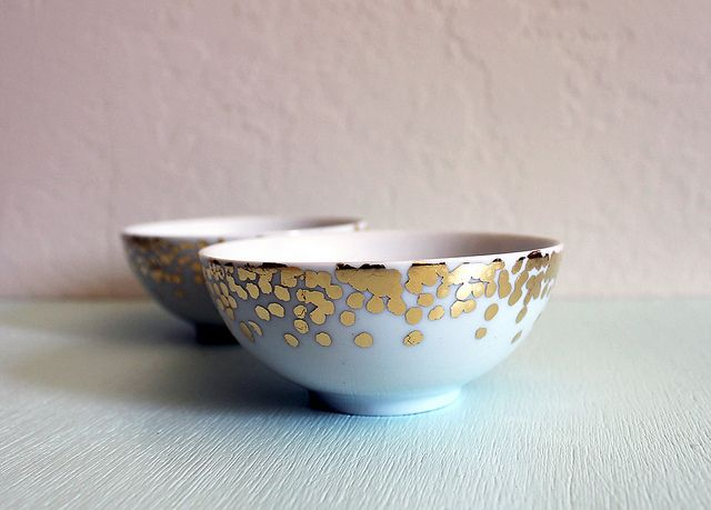 Gold Confetti Dish / Vitamini Handmade {i need to put this on my list of to-do's}