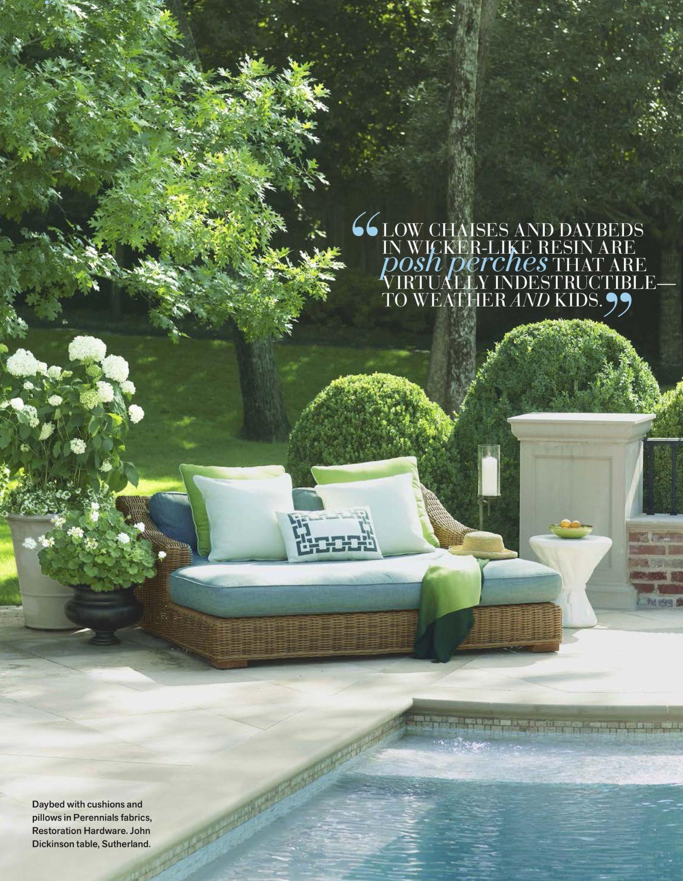 Véranda De Jardin Extérieur planting hydrangeas & other landscaping ideas   meuble
