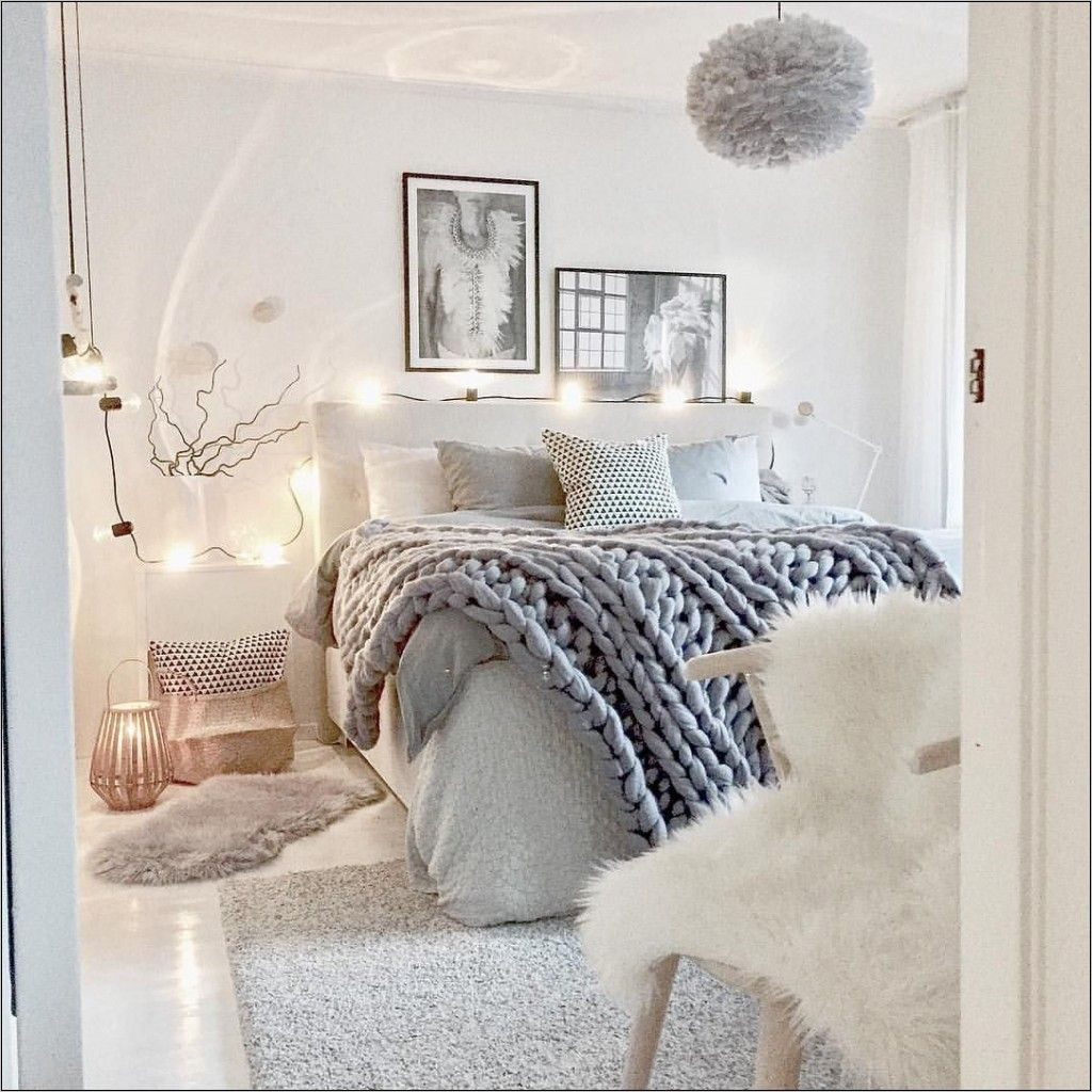 Accessoire Deco Chambre Fille Ado Bedroom Inspiration Grey Grey Bedroom With Pop Of Color Bed Decor