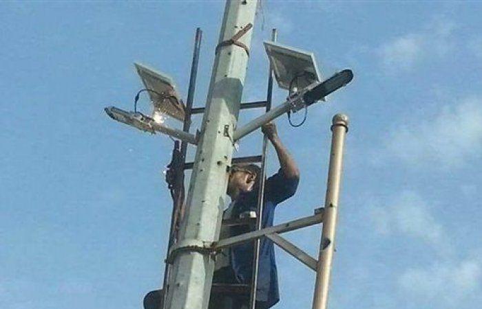 بالصور.. مشروع إنارة شوارع مدينة تعز بالألواح الشمسية