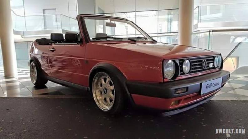 Volkswagen Golf Mk2 Cabrio