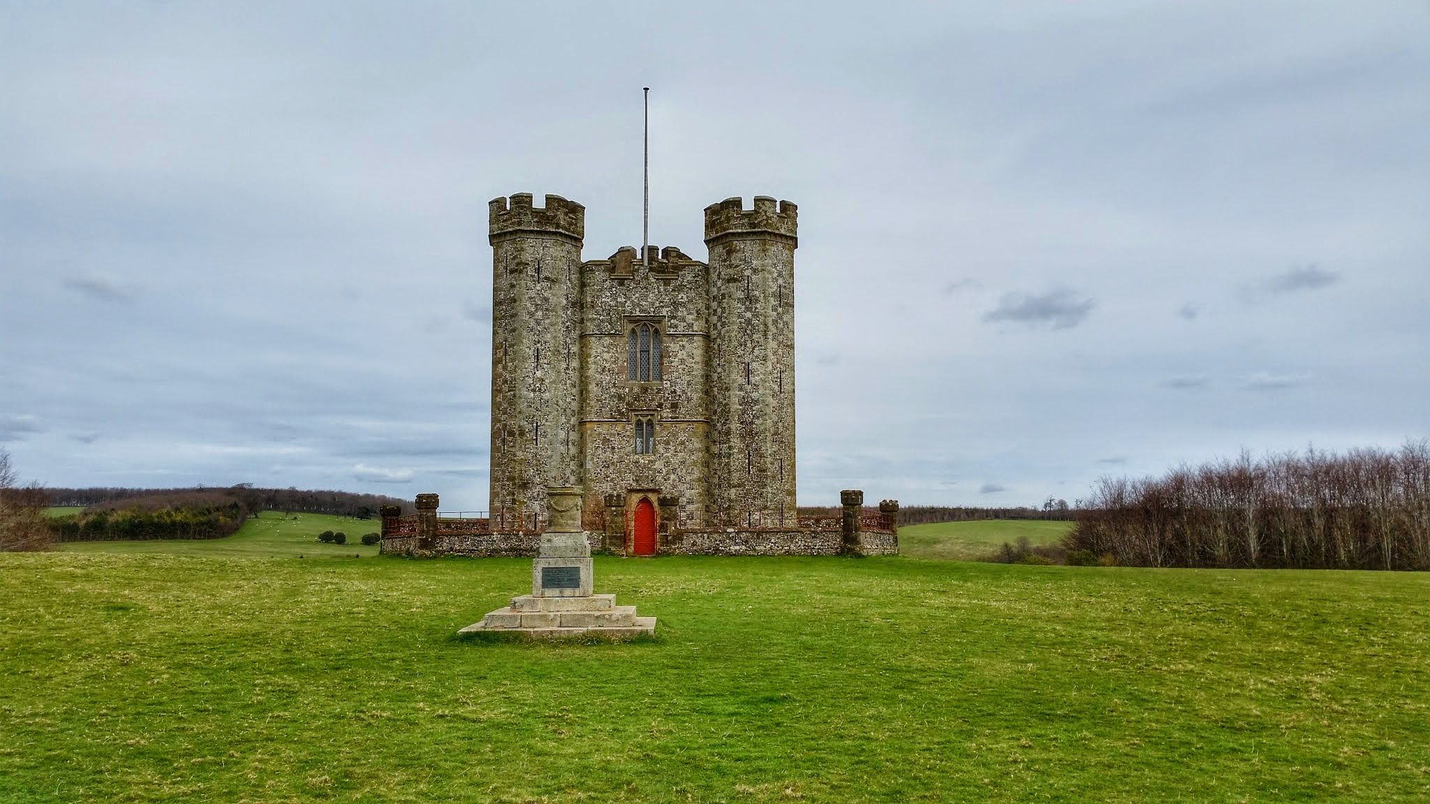 Hiorne Tower Arundel, West Sussex. #southdowns #sussex #hiking