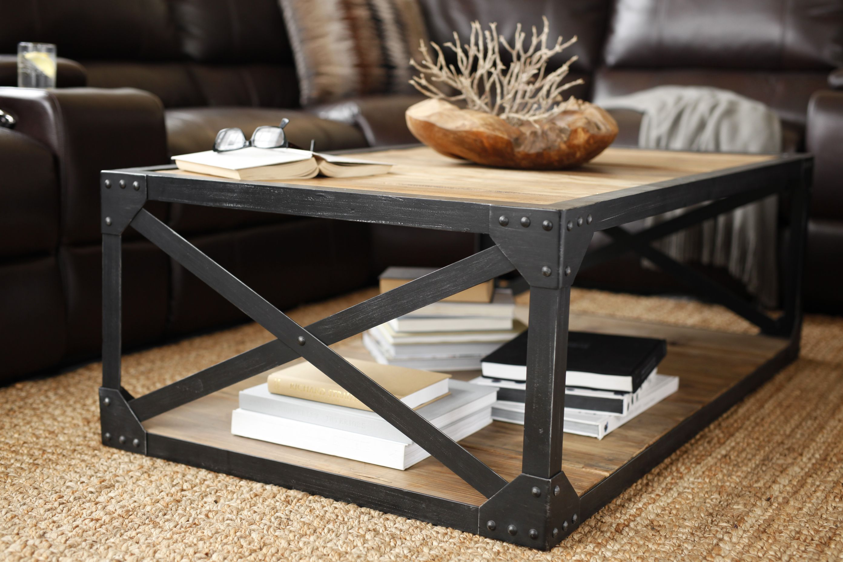 Best You Can Trust Our Greenwich Coffee Table To Hold All Your 400 x 300