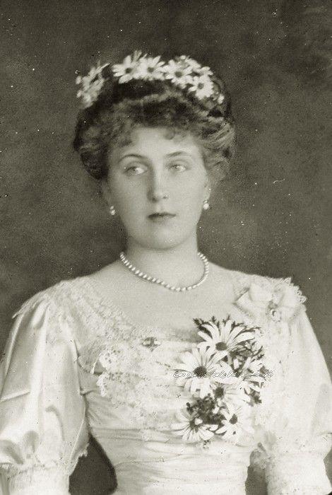 Reina Victoria Eugenia de España - Página 19 E4a500b5ae9a29d88e2b501ebd2a17aa