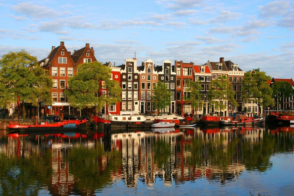 Amsterdam: Houses along the Amstel River