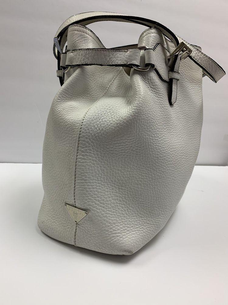 e08202d629d7 Prada Vitello Daino Calfskin Pebbled Leather HandBag BR1594 Semitracolla  Bianco