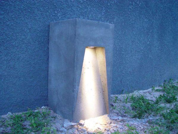 21 Creative DIY Lighting Ideas! Homemade Concrete Outdoor Light Pillars.  Make Up Frame And