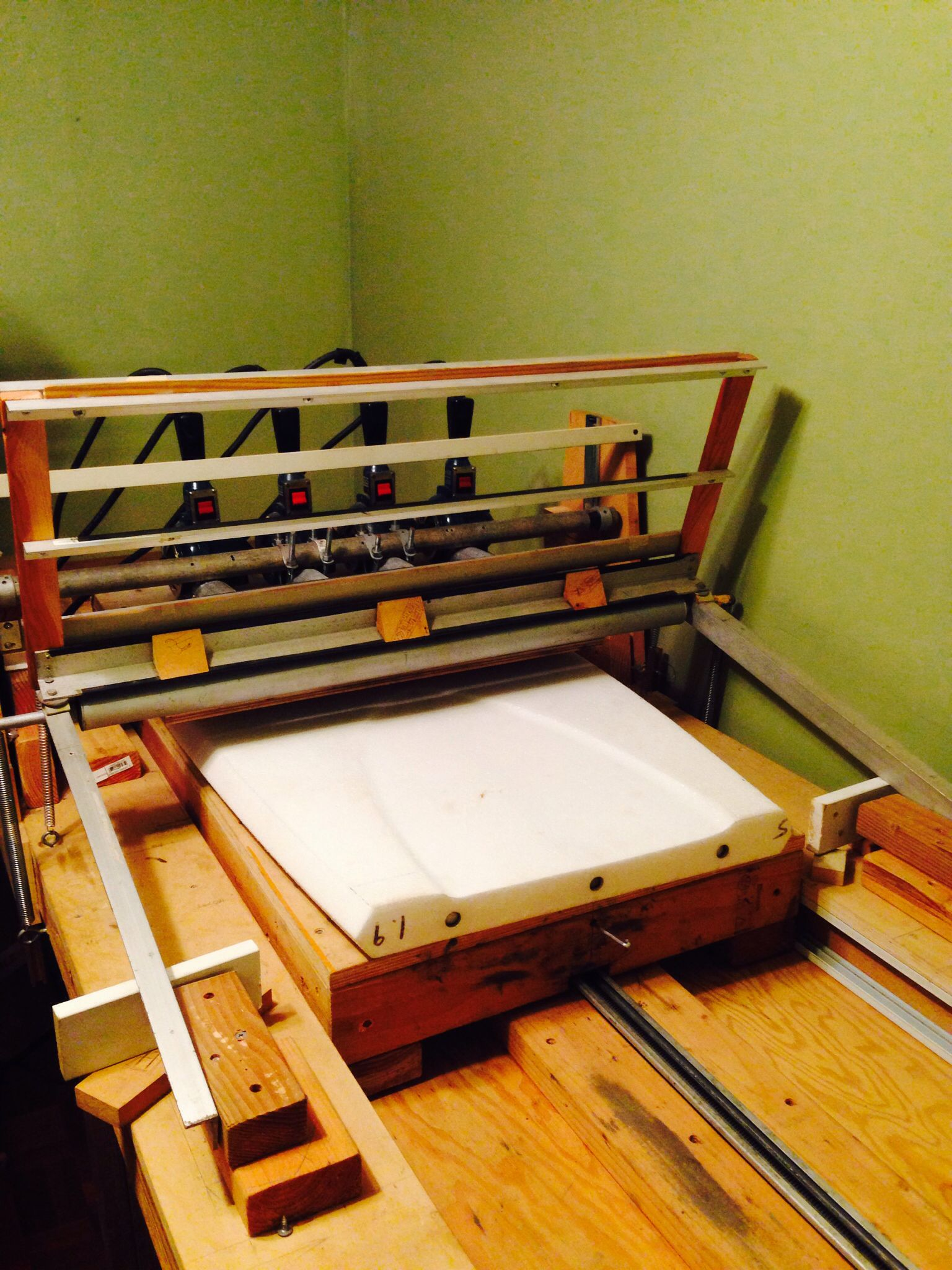 Slick bottom and goad deck heat press