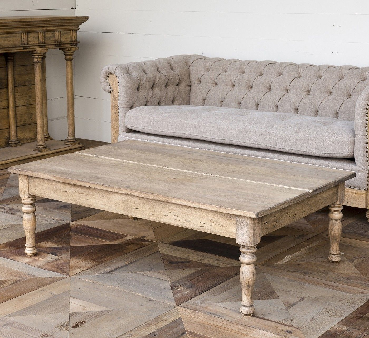 This Classic Park Hill Manor Coffee Table Provides A Beautiful Wide Surface To Create A Comfortable Coffee Table Farmhouse Style Coffee Table Iron Coffee Table