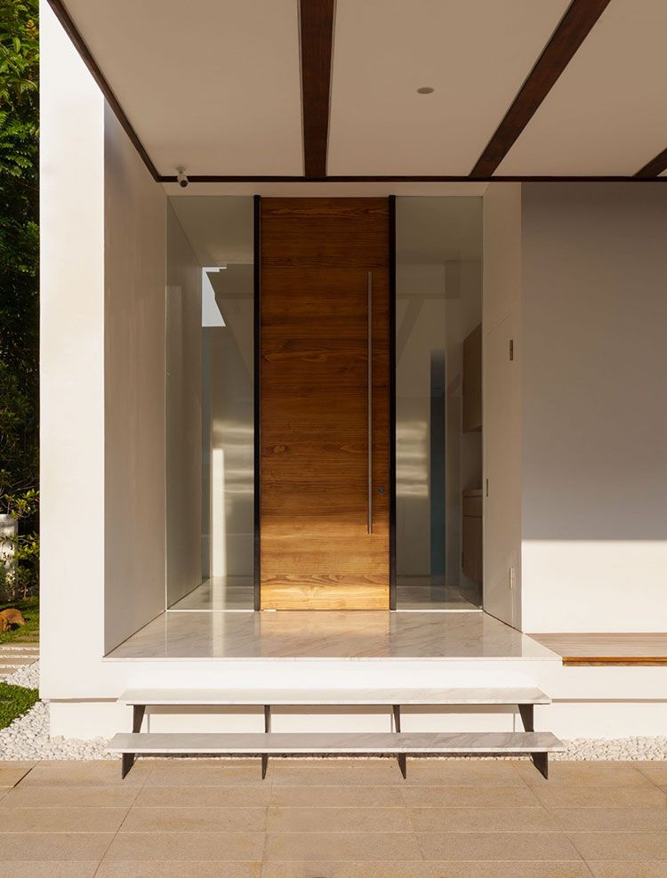 10 Modern Entrance Door with Unique Design - Lighthouse Garage ...