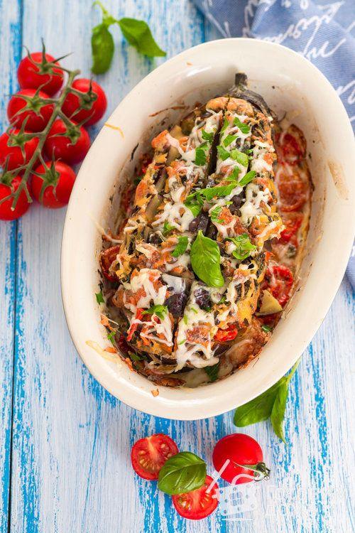 Баклажаны, запеченные в духовке с помидорами, сыром и ...