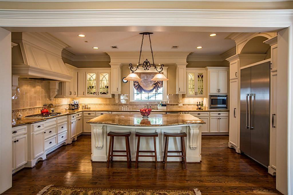 Best 30 Custom Luxury Kitchen Designs Some 100K Plus 640 x 480