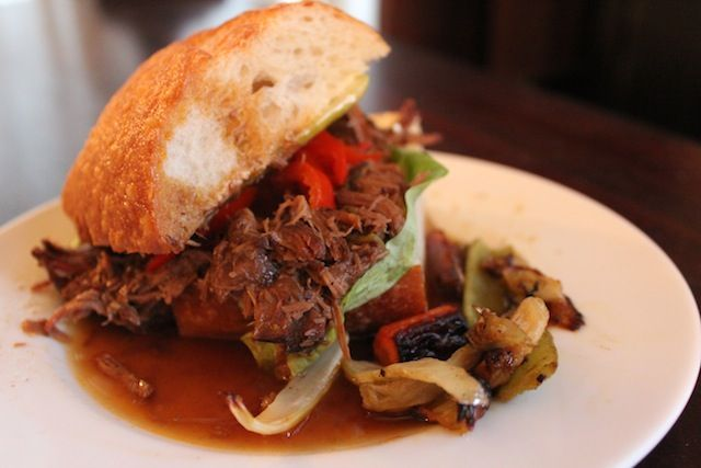 MiddleBar: MiddleBar's Award Winning Roast Beef Poboy