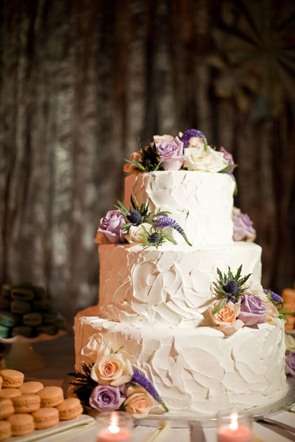 Non-fondant wedding cake. Love this! I\'d be great with Peonies ...