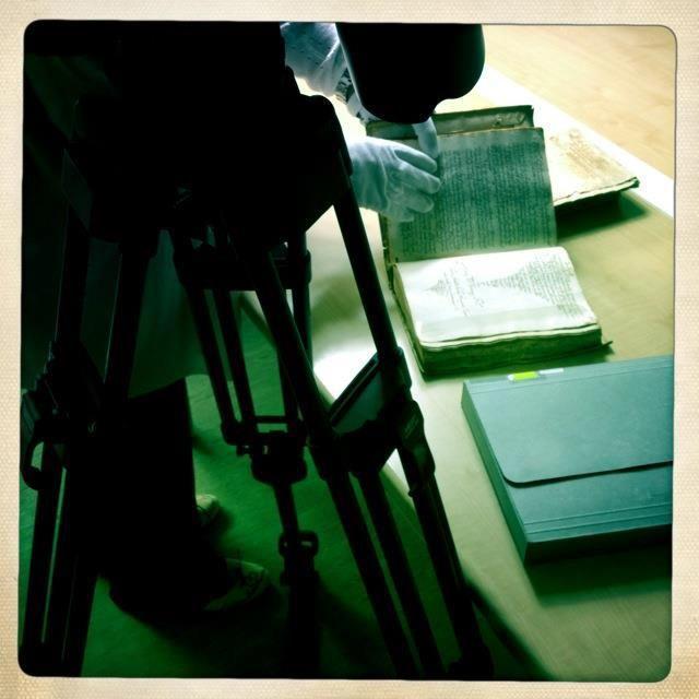 Can Salas Library. Searching for personal belongings of Junipero Serra.  #palma #majorca2013 #connexiójuníper #conexiónjunípero #ib3 #queretaro #californiamissions #juniper300 #juniperoserra