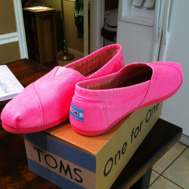 Cute girl shoes, Toms shoes