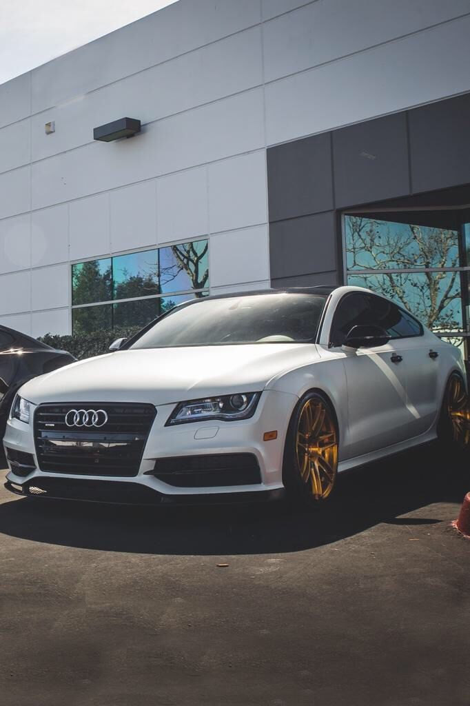 Pin By Caitlyn Murtha On Dream Cars Audi Cars Audi Motor Car