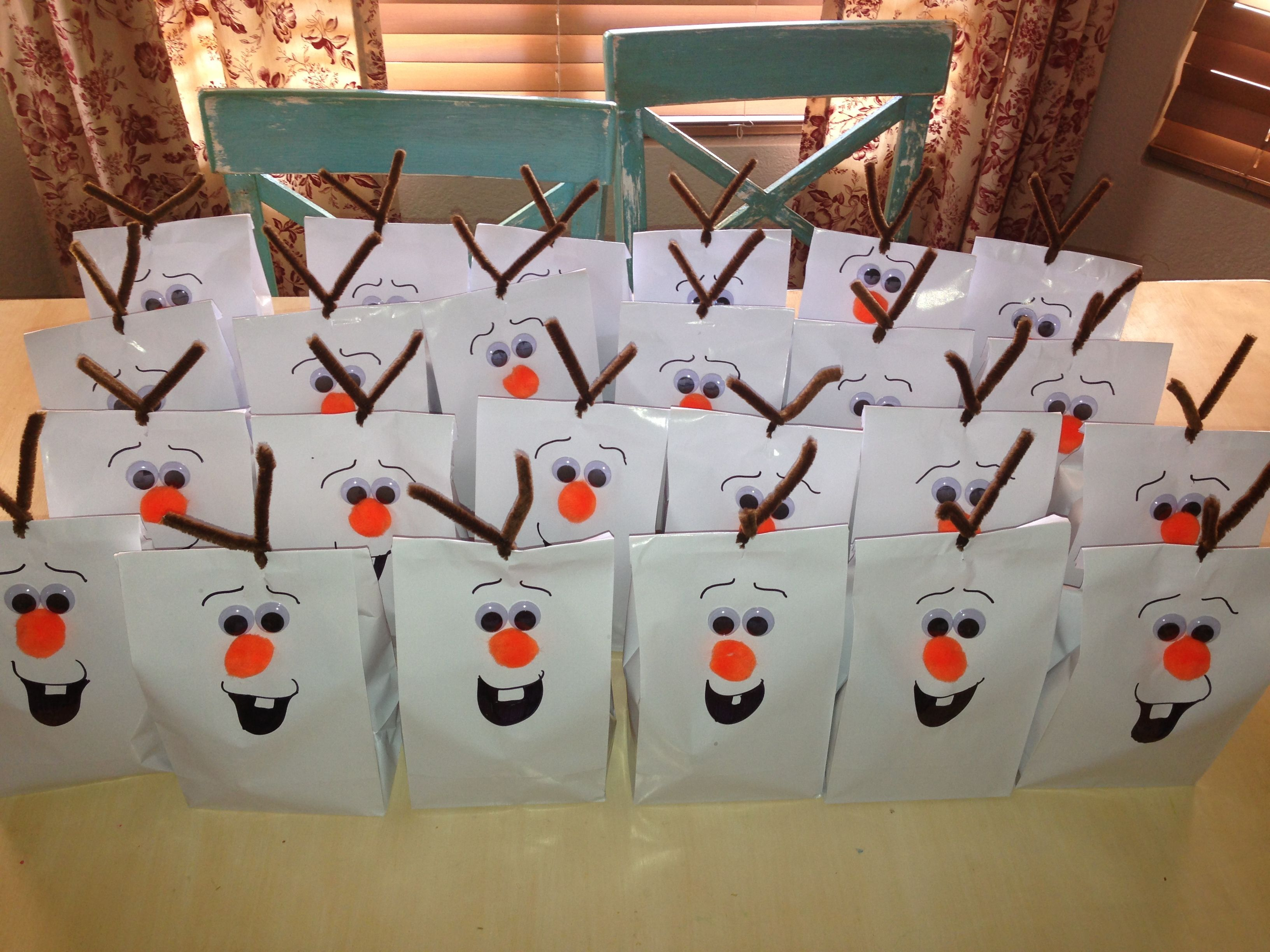 Olaf party gift bags | Disney's Frozen party ideas | Pinterest ...