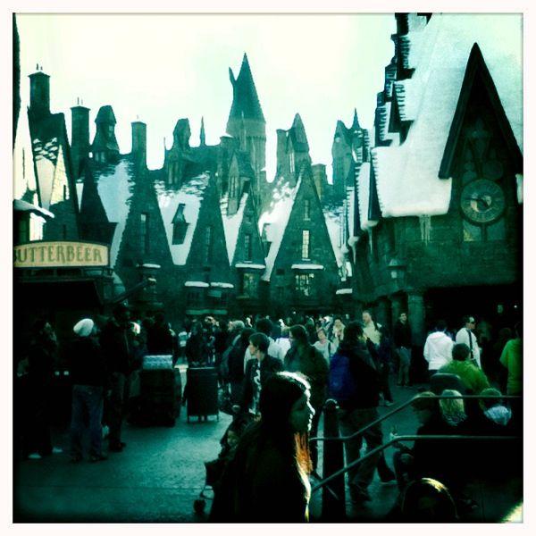 harry potter theme park. universal studios.