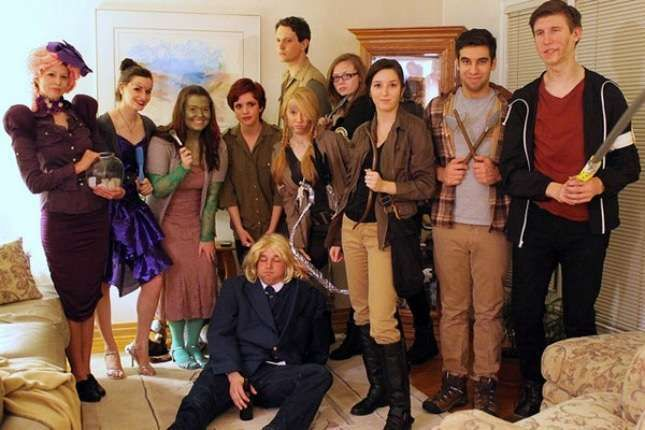 Costumi Halloween Di Gruppo.Maschere Di Gruppo Per Carnevale Hunger Games Costumi Hunger