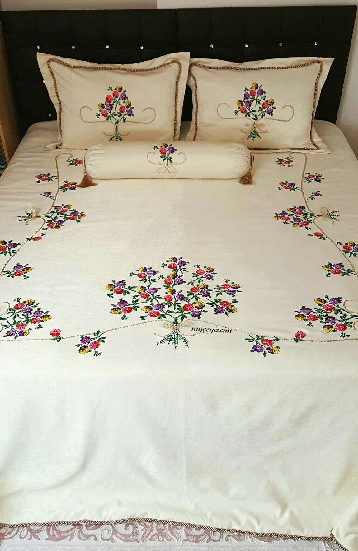 Eski kanaviceleri yatak örtüsü olarak değerlendirdik   Denenecek ...