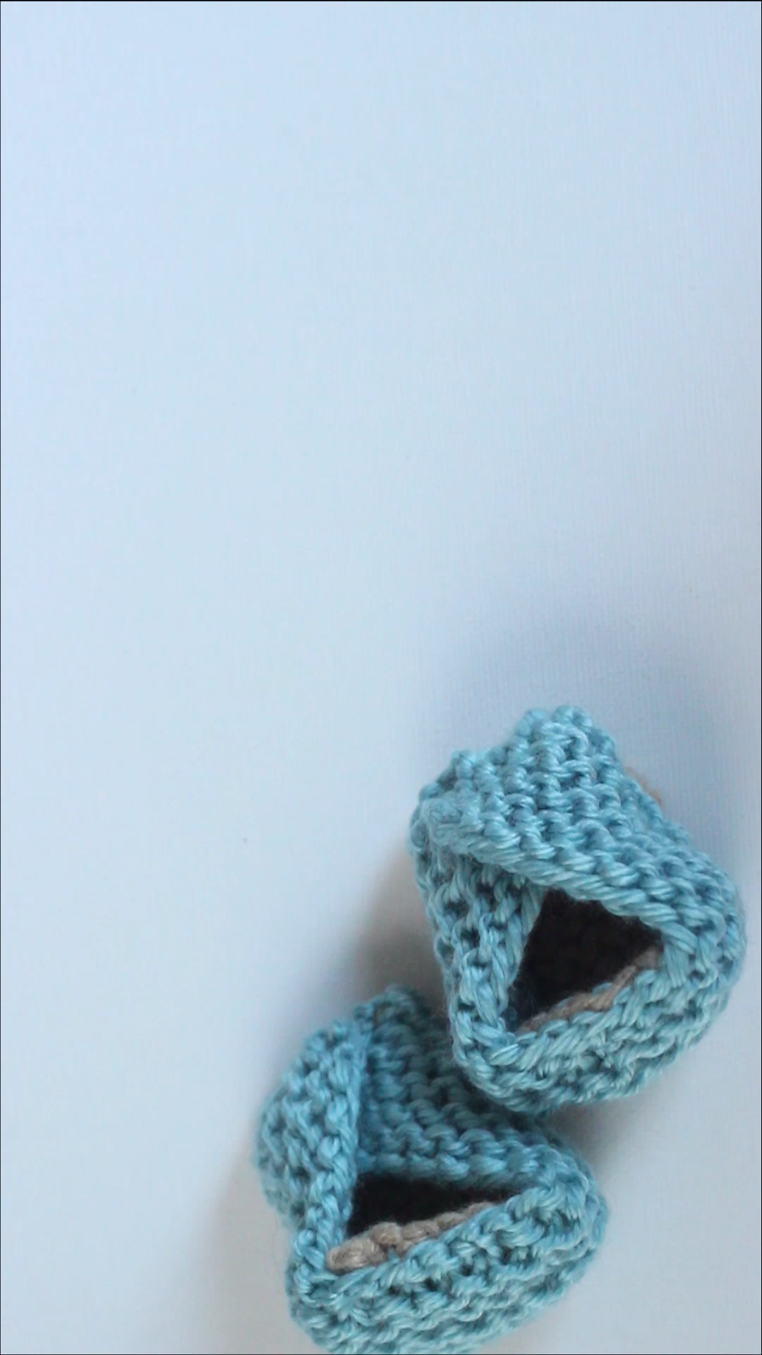 Knit Baby Booties Pattern with Video Tutorial