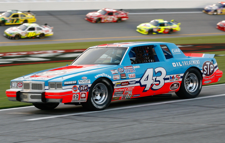 NASCAR The Game: Inside Line: Richard Petty STP 43 Pontiac Paint ...