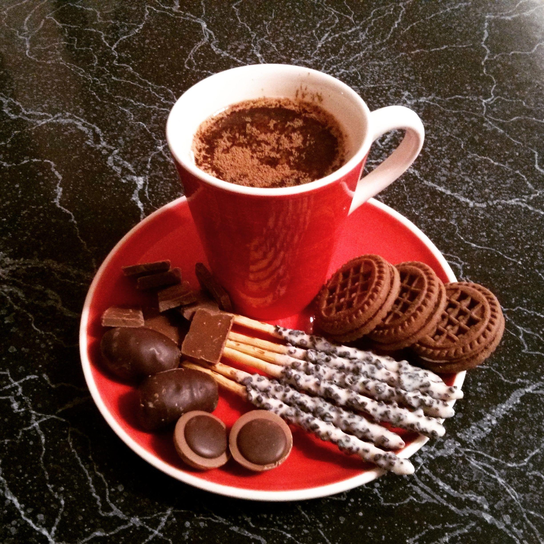 Good morning, my dear friends. Have a nice and sweet day!  #instahome #coffeetime #chocolate #cookies #cappuccino #instacoffee #instacappuccino #coffee #toffiffee #pepero #커피 #쿠키 #비스킷 #빼빼로 #초골릿 #카푸치노 #홈 #토피피