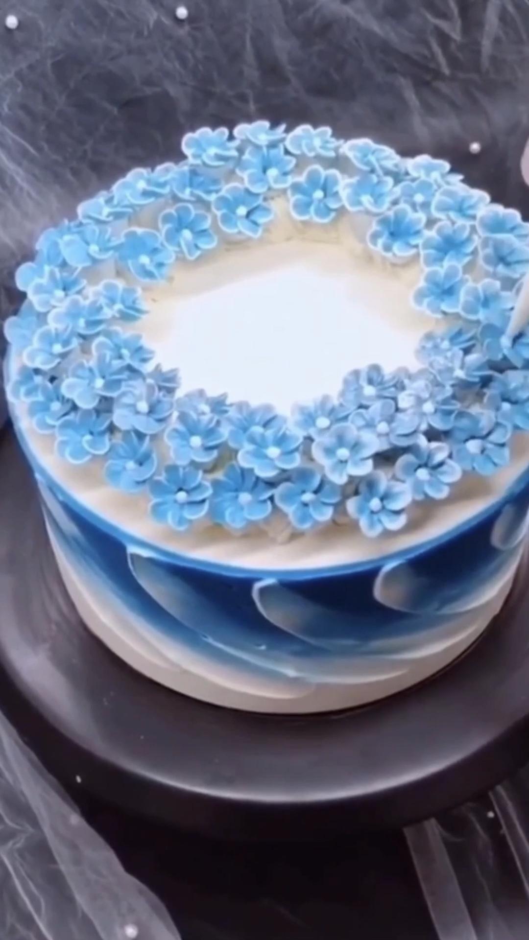 Amazing flower cake decoration