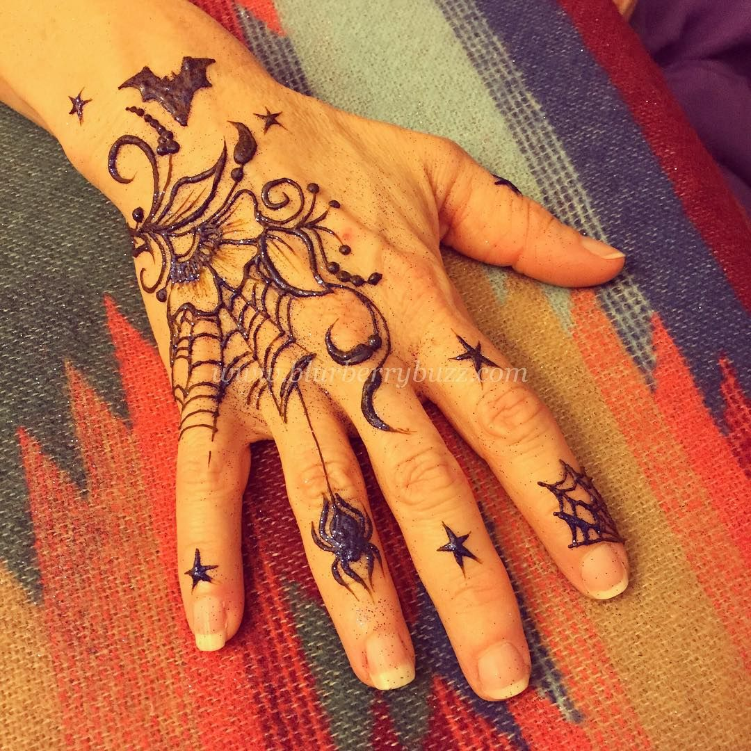 Victoria Welch On Instagram Halloween Themed Henna From A Party Today Halloween Halloween2015 Halloween2015 Henna Hen Henna Henna Designs Simple Henna