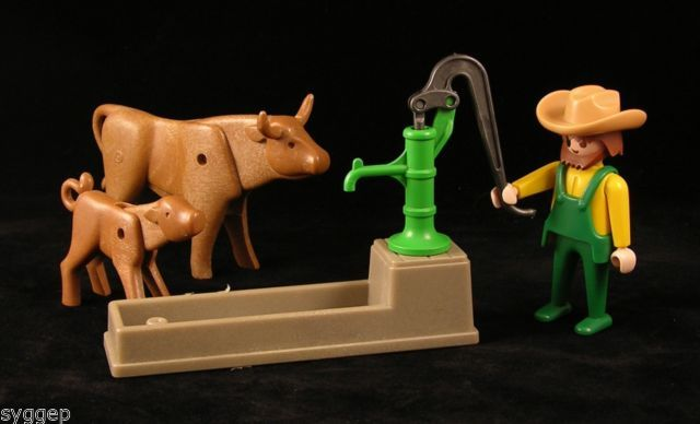 PLAYMOBIL Modern Farm, Outdoors, Animals, Western COWS GETTING A DRINK OF WATER…