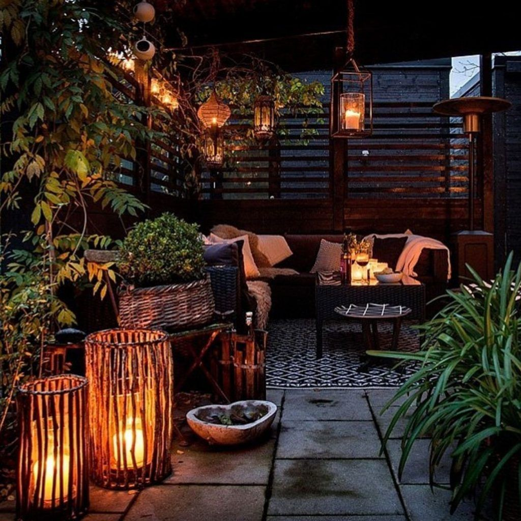 19 tips and tricks for decorating a small balcony #balconylighting