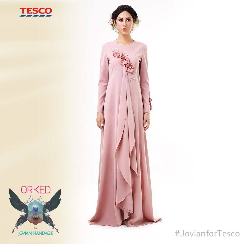 Evening Dress: Love the flower detailing on this gem by Jovian ...