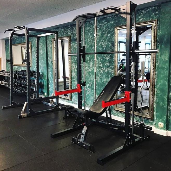 Pivot Fitness Hm3310 Deluxe Smith Machine Kopen Helisports Is Het Adres Squats Bankdrukken Fitnessapparatuur