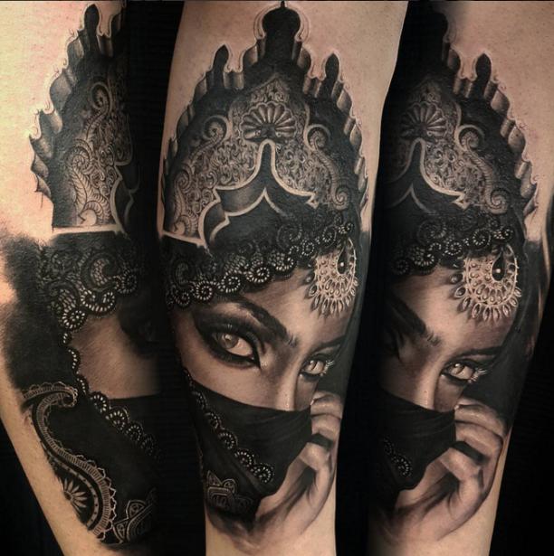 Tattoo Fuß Frau Arabische: Tattoo Hübsche Verschleierte Frau