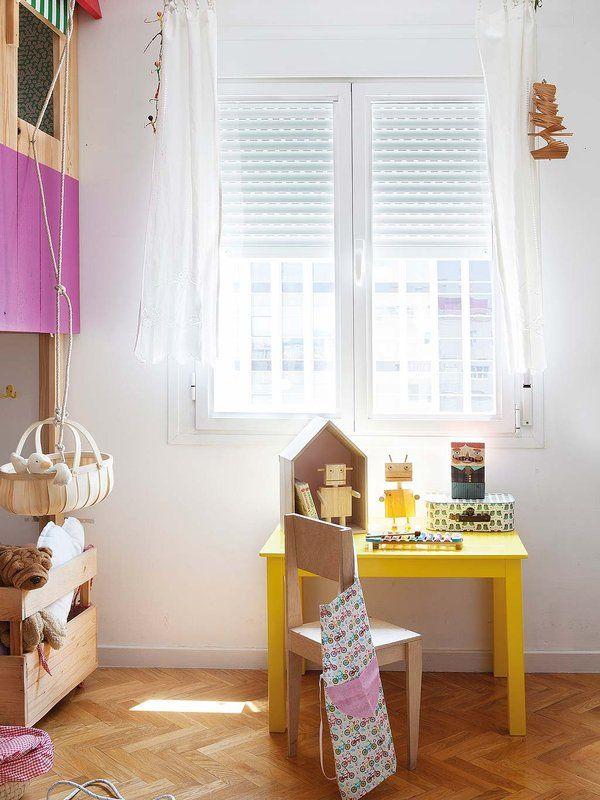 ¡El #dormitorio más divertido! Con muebles a medida #infantil #mesita