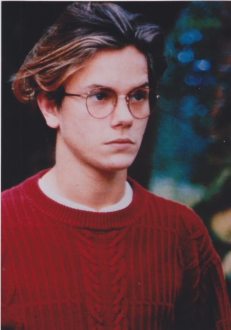 River Phoenix, rest in peace  Elizabeth was so in  LOVE with him..