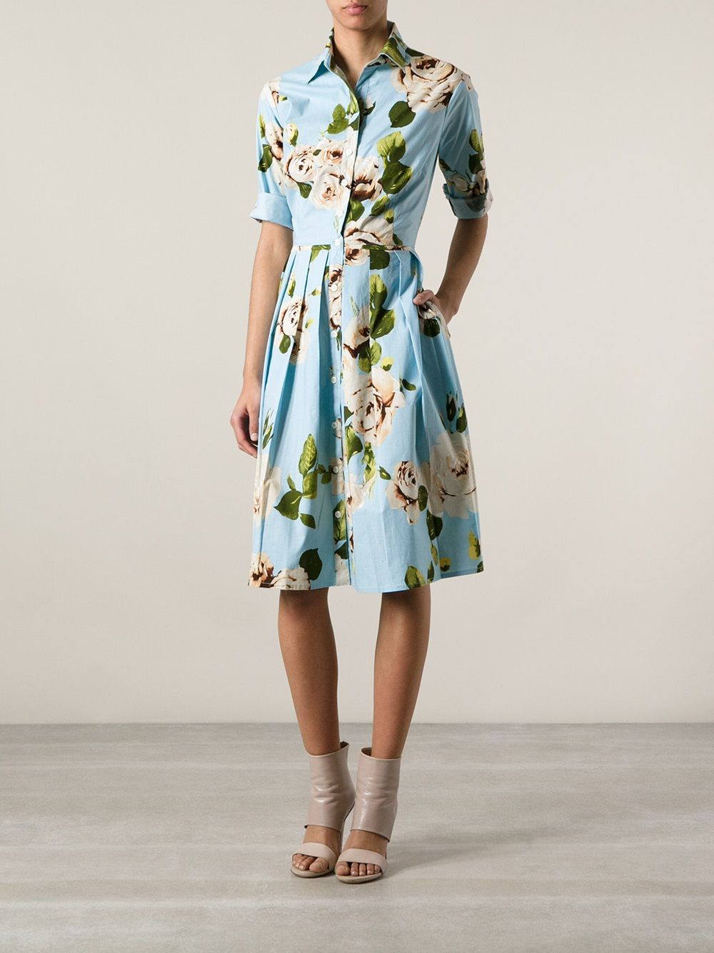 Samantha sung uaudreyu floral dress changing room farfetch