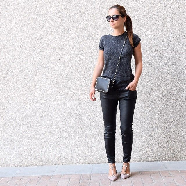 Casual weekend black outfit: Maison Valentino flats rockstuds rockstud  shoes nude blush poudre, leather