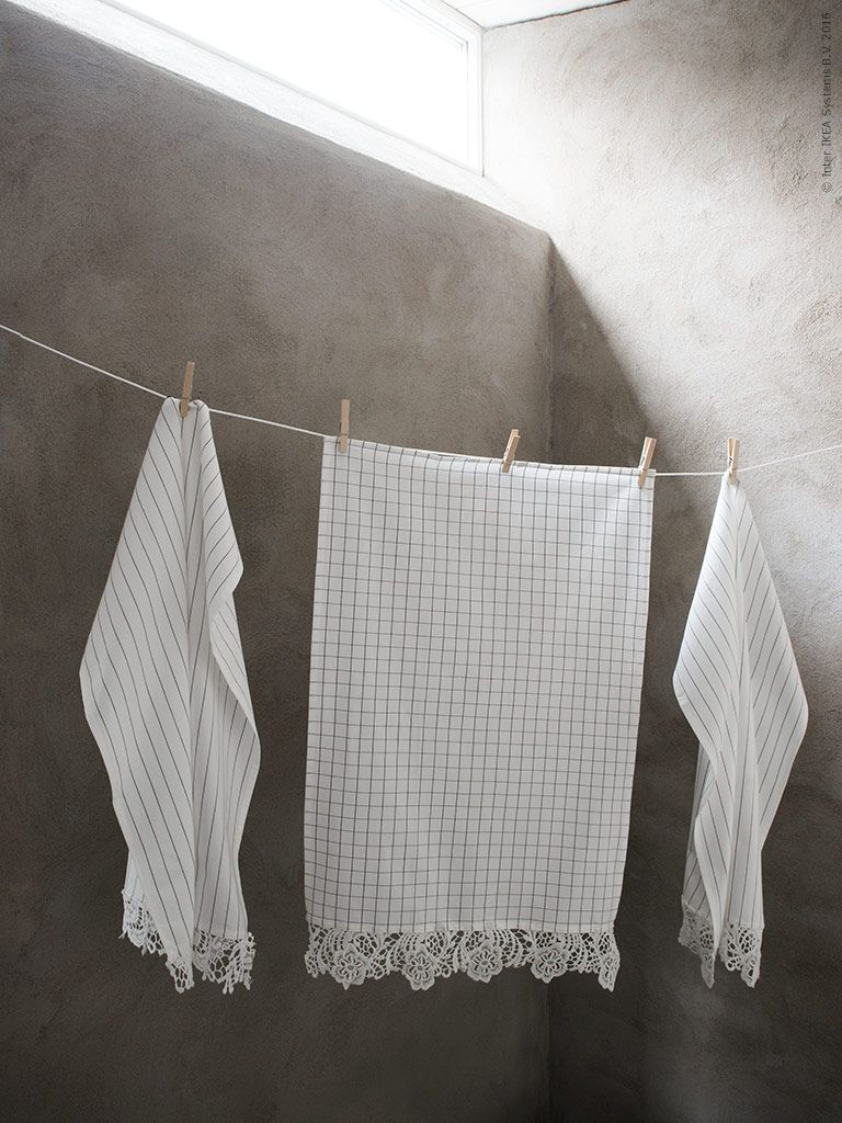 My latest work for IKEA livet hemma. Update the kitchen towel 365+ with some lace and use them as beautiful guest towels  in the bathroom.