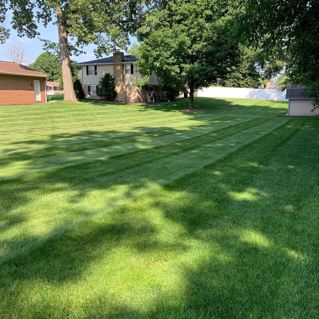 Couple More Yards Looking Good For The Week Lawncare Mow Mowing Lawns Stripes Keepmowing Edging Howto Ke Landscape Structure Lawn Care Landscape Plan