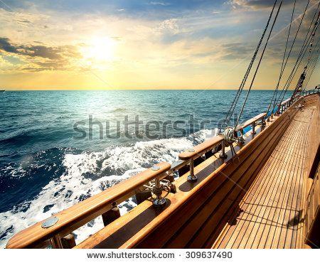 Yacht Photos et images de stock | Shutterstock