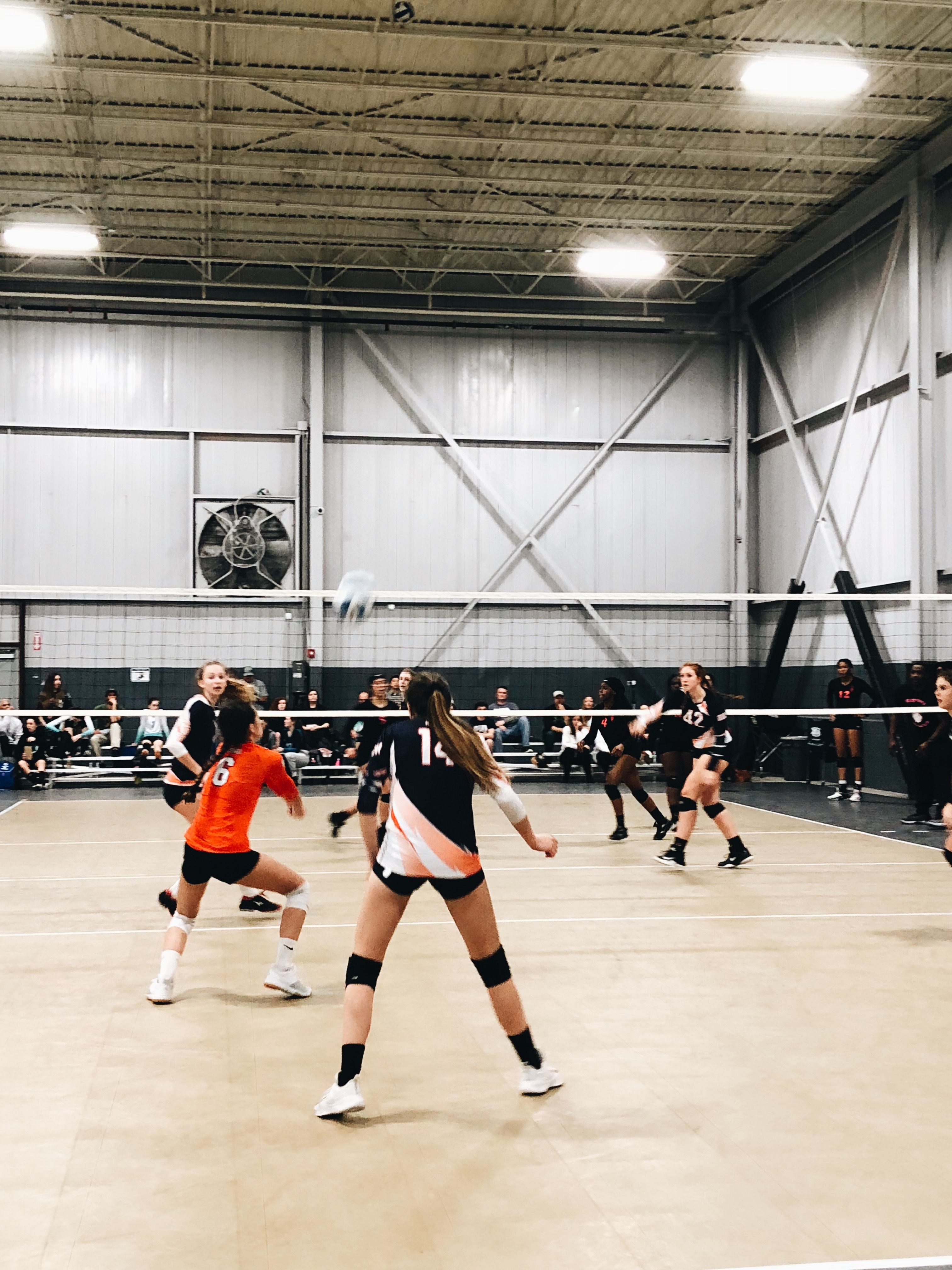 Pin By Joy Bartlow On High School Volleyball Pictures Volleyball Inspiration Volleyball