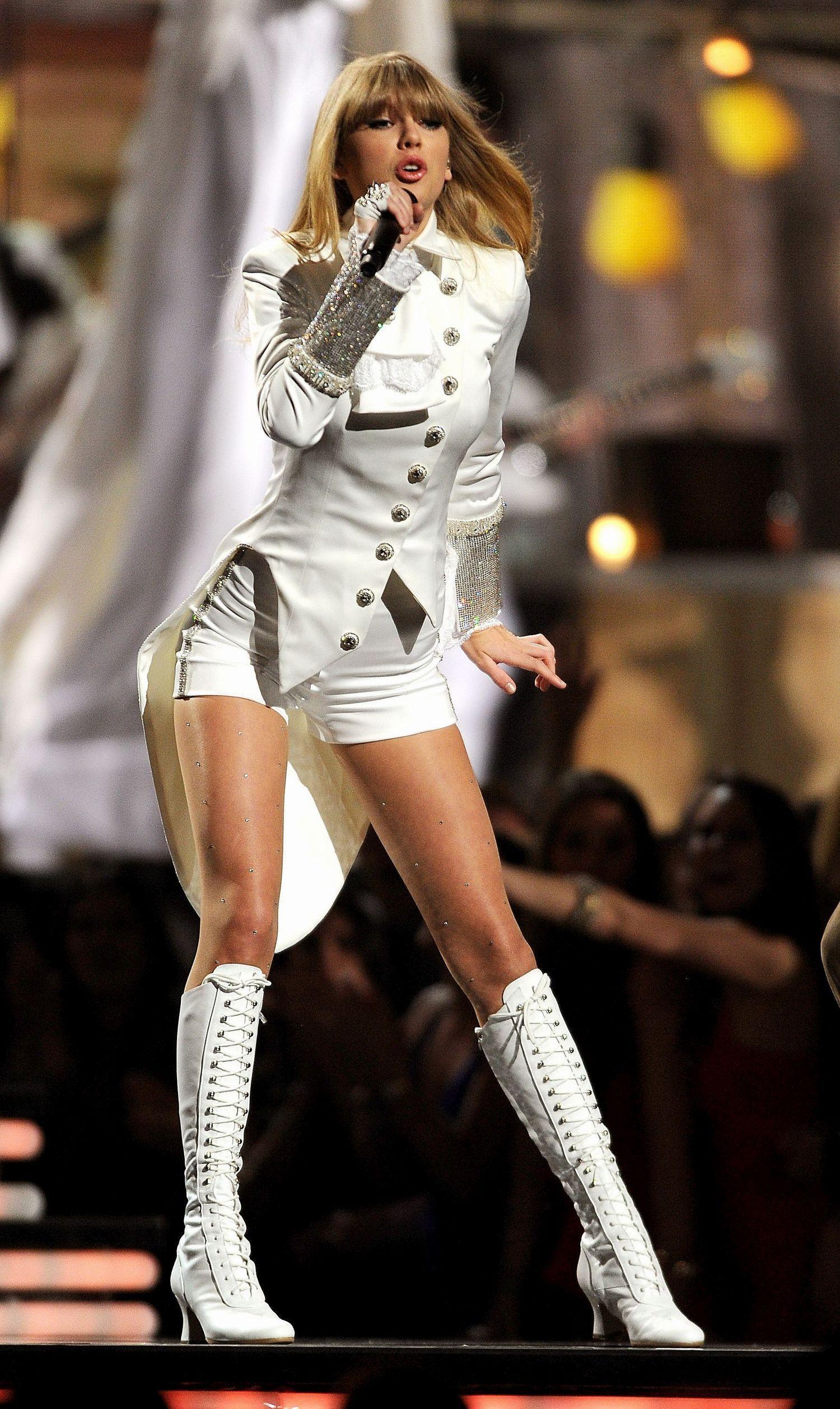Taylor Swift In Pantyhose - Httpstockings-Celebs -5380