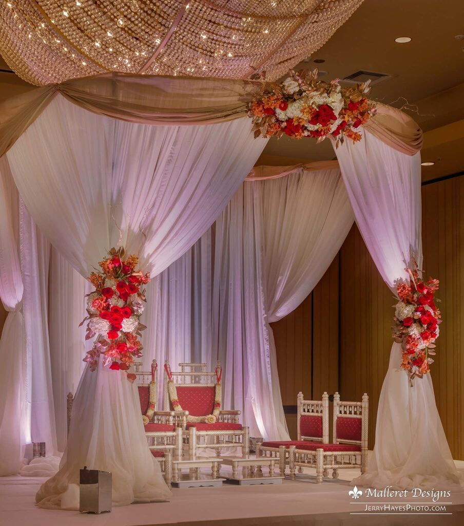 Beautiful indian fusion wedding in austin tx gorgeous mandap beautiful indian fusion wedding in austin tx gorgeous mandap planner the blueprint events floral artistry malleret designs decor casa blanca living malvernweather Image collections